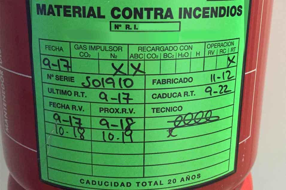 etiqueta mantenimiento extintor